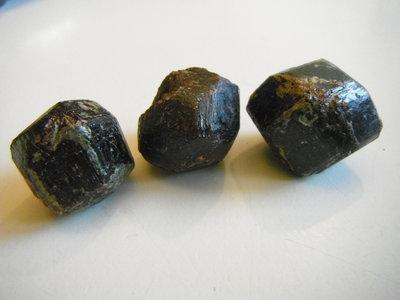 Granaat kristallen China  Prijs per stuk € 8.50