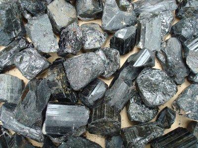 Zwarte Toermalijn ca 150 gram